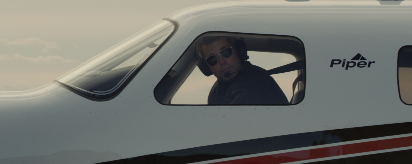 Pilot looking out of a M600