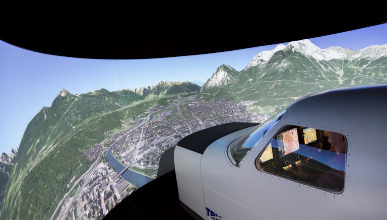 Flight training simulator