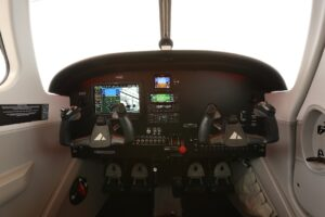 Piper Certifies and Delivers First Pilot 100i Trainer Aircraft 2